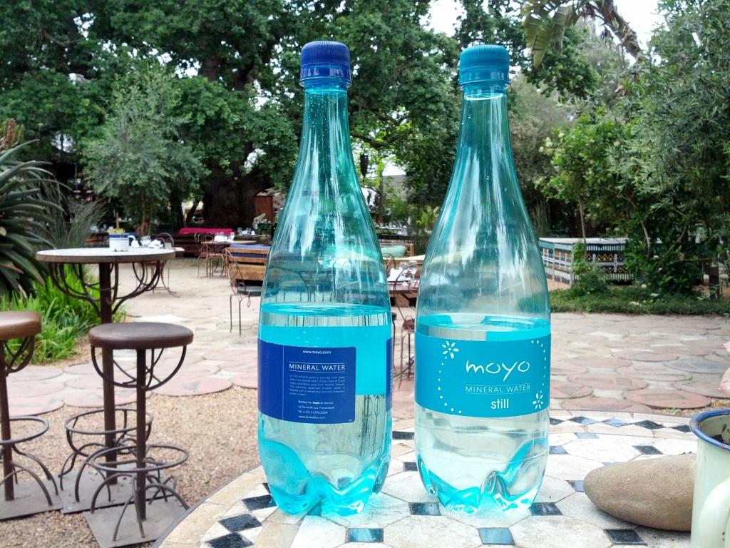moyo-bottled-water-spier-1