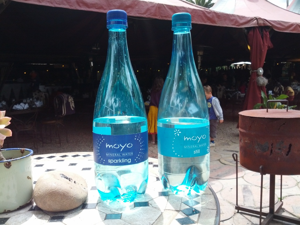 moyo-bottled-water-spier-2