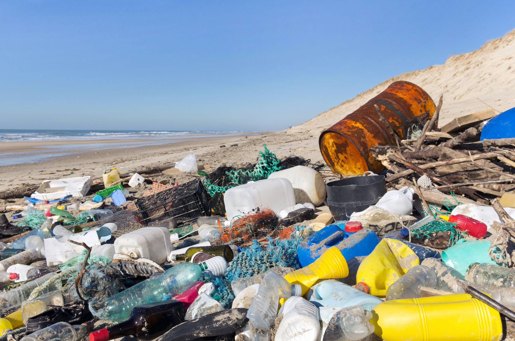 plastic-waste-beach